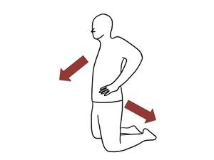 膝立ち姿勢でのスクワットです